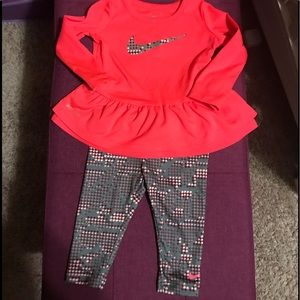 Nike* Dri Fit set (girl)